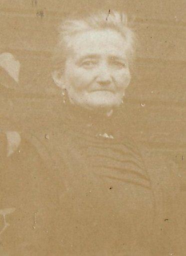 Anna E 1912