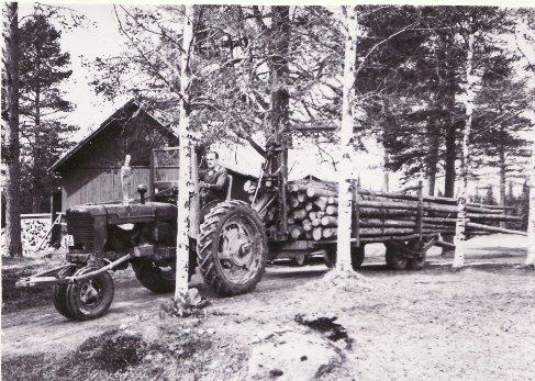 Jan på Farmall H omkr 1965