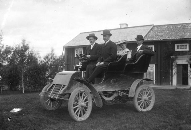 Riksdagsman Johan Olofssons bil på Agnes och Anders Olssons bröllop