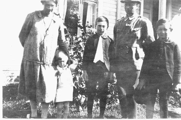 Familjen Ol Ersa omkr 1925