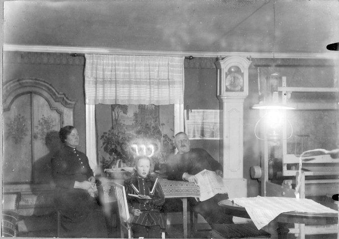 Karin hos Karin o Eric Bengtsson, Kläppe 1915