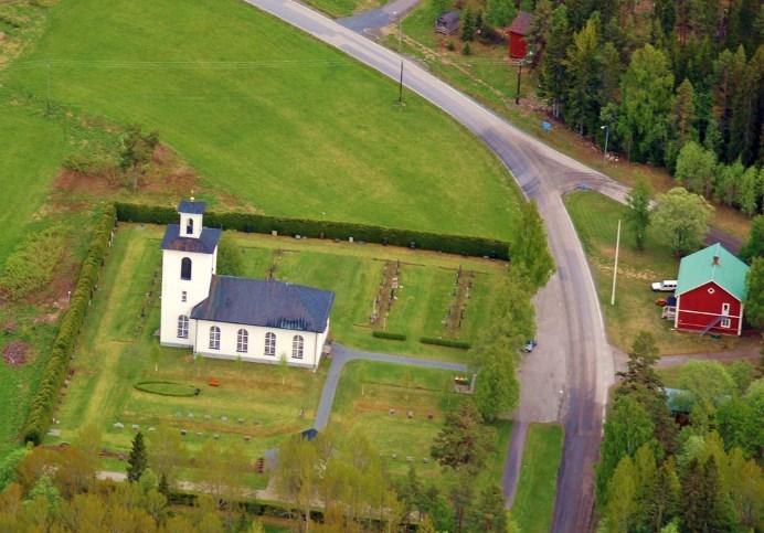 Kyrkås nya kyrka och sockenstugan
