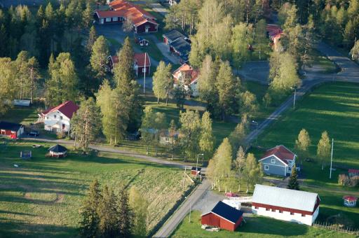 Fastigheter från 1880 med skolan