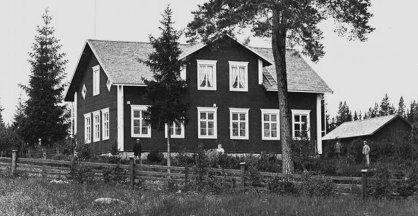 Skolan från 1884, foto 1897